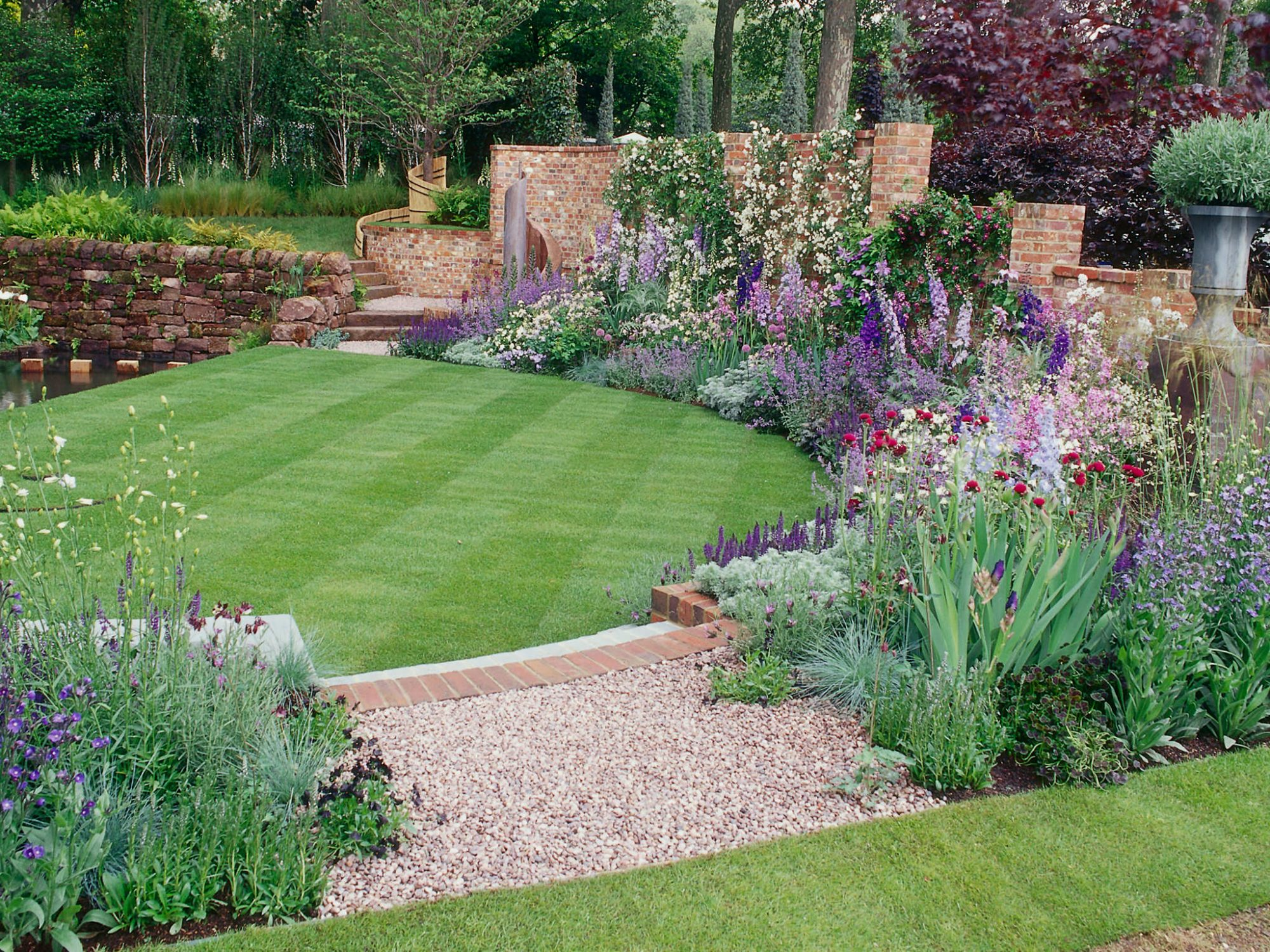 25 Simple Backyard Landscaping Ideas