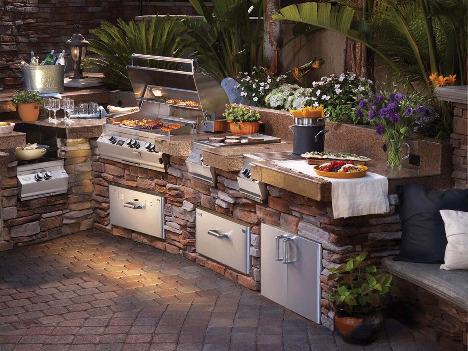 47 Amazing Outdoor Kitchen Designs and Ideas