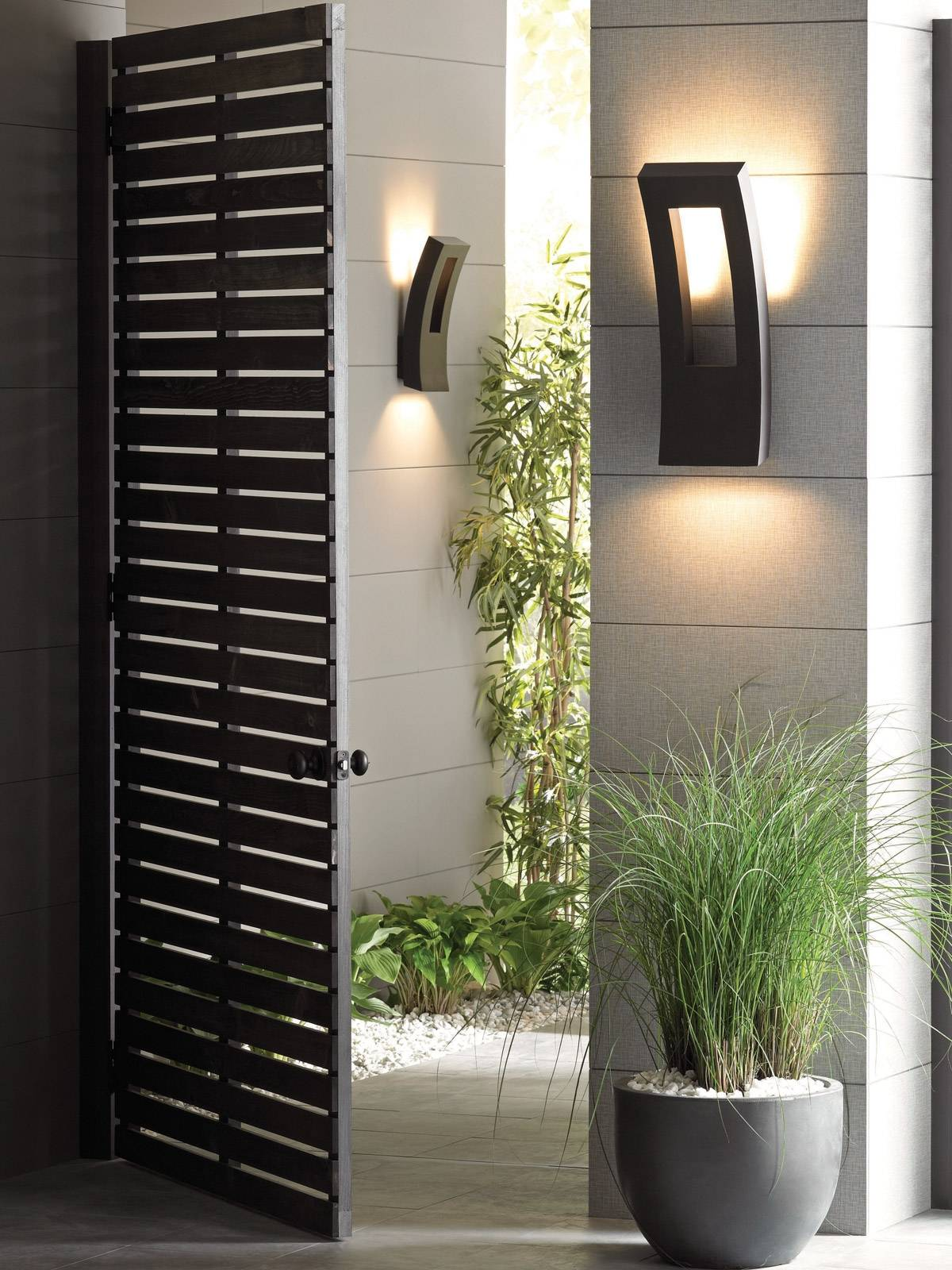 contemporary outdoor wall sconce