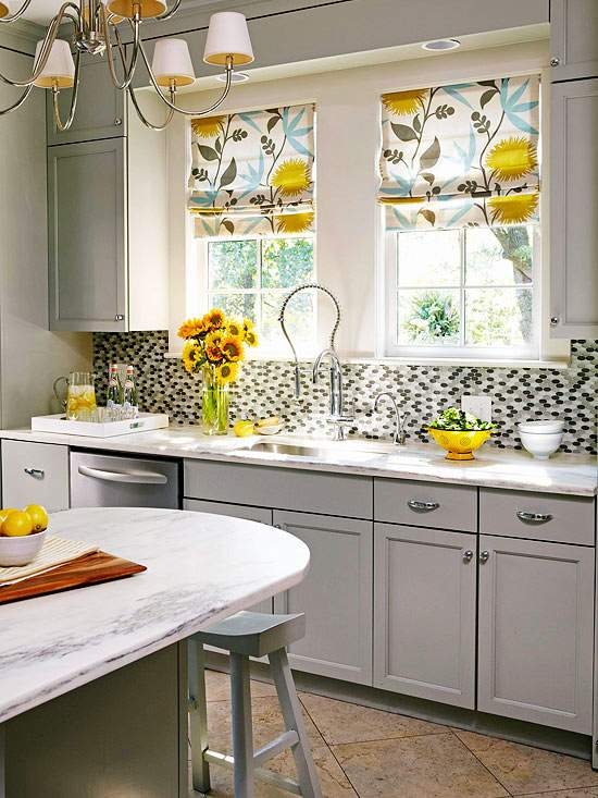06 - colorful kitchen curtains ideas